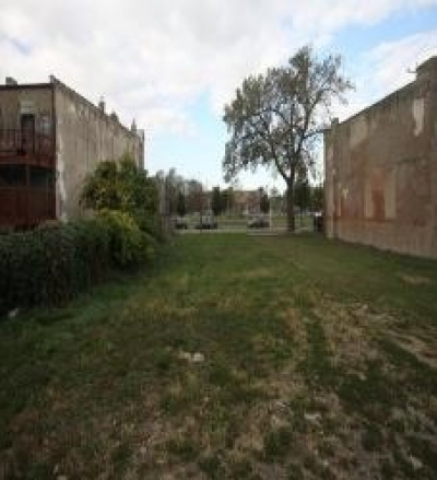 LAND FOR SALE MINUTES  FROM DOWNTOWN  AND  THE  WHITE SOX STADIUM  !! 3313 South Giles Avenue, CHICAGO, Illinois
