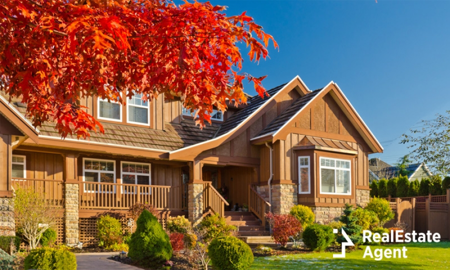 Adding Fall Curb Appeal to an On-The-Market Home