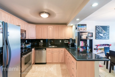 2301 Collins Ave Apt 834 Roney Place South Beach Condo | Juan Leal 305-982-7405