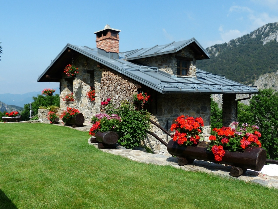 Beauty From Afar: 3 Curb Appeal Features That Increase Home Value
