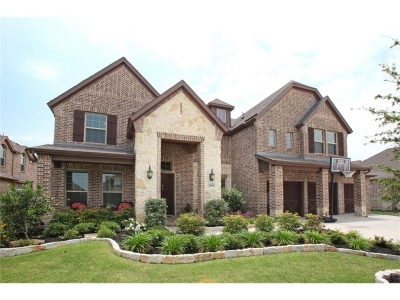 Spacious and Open 6-Bedroom Prosper Home is Move-In Ready