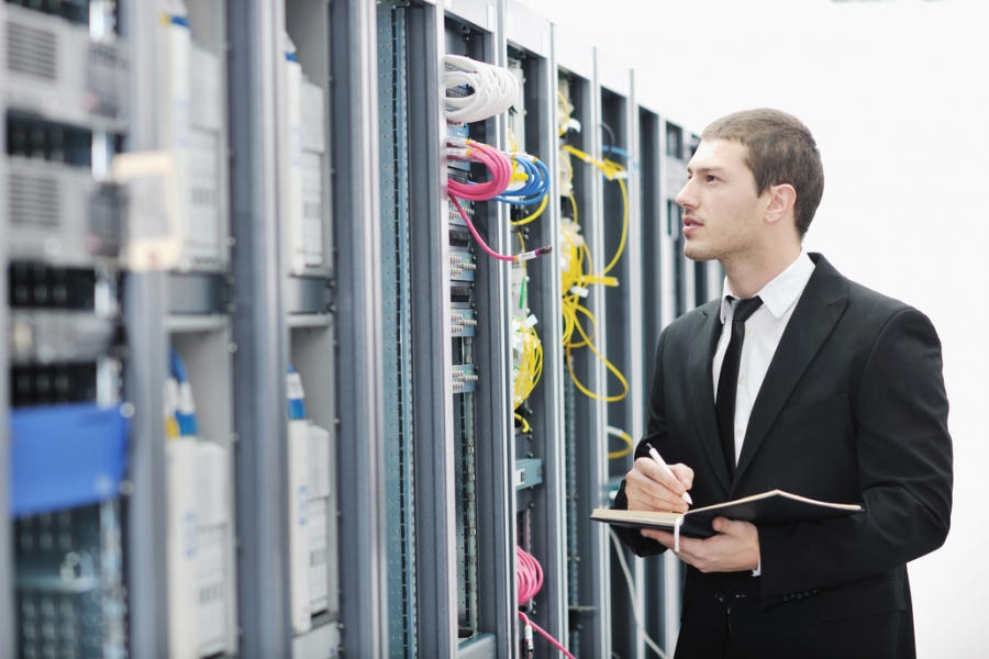 VPS vs. Dedicated Hosting