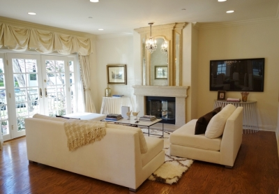 JUST LISTED: 4 br, 3.5 ba Elegant and luxurious French style home-like condo located in the heart of Beverly Hills