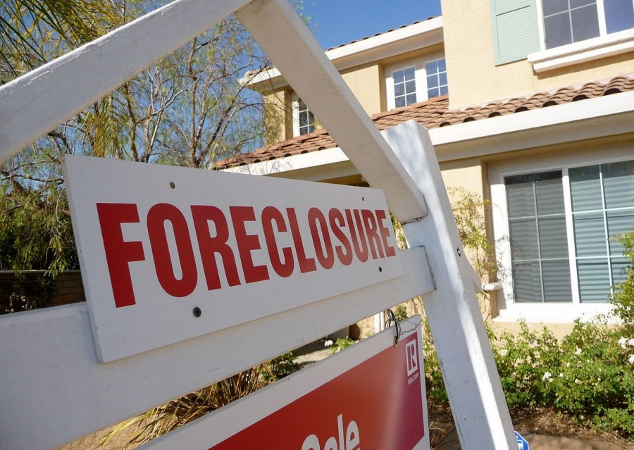 Foreclosure: What to Expect and How to Move On
