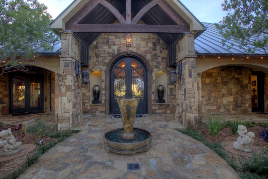 22-Acre Luxury Retreat Lists in Rockwall