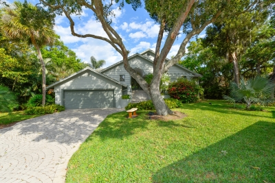Longboat Key, FL Residence - Just Listed | $775,000