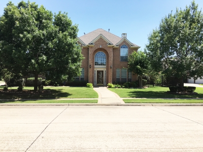 814 Sequoia Lane, Keller - Listed by The Tosello Team
