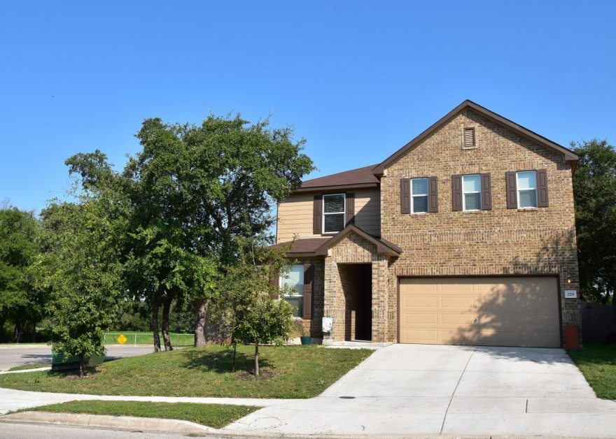 Home for Sale in Cibolo, TX - 220 Hinge Creek Cibolo TX 78108