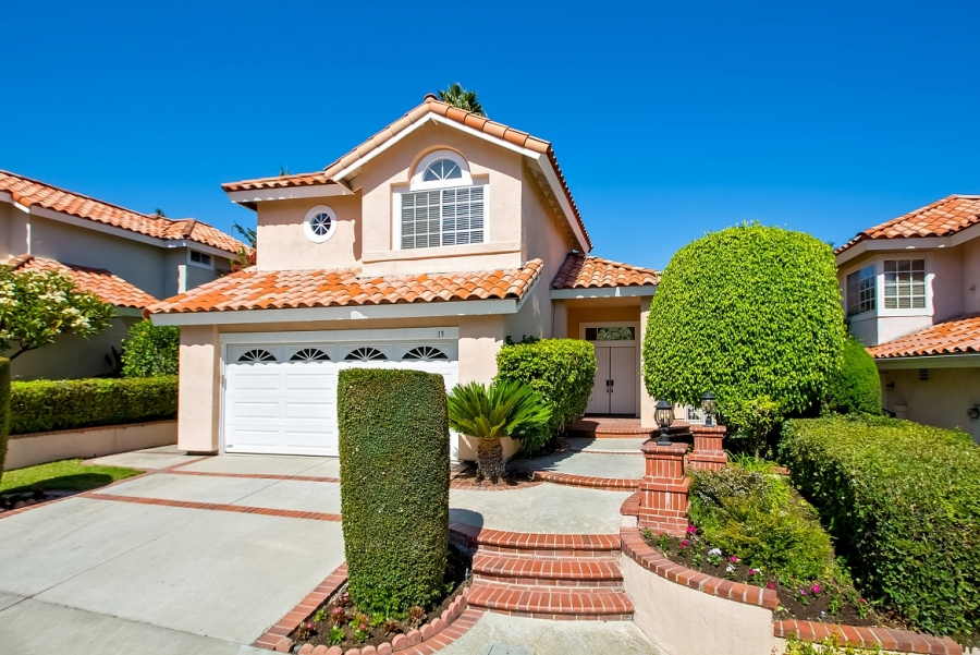 JUST LISTED in Laguna Hills!