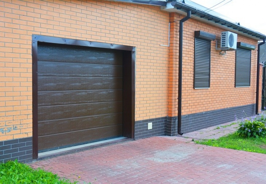 4 Benefits of Choosing Roller Shutters for Your Home