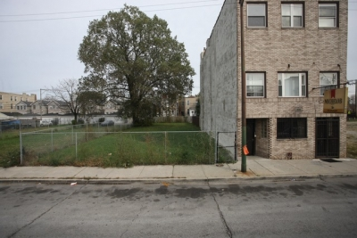 3657 SOUTH INDIANA VACANT LOT FOR SALE Perfect location to build a multi-unit