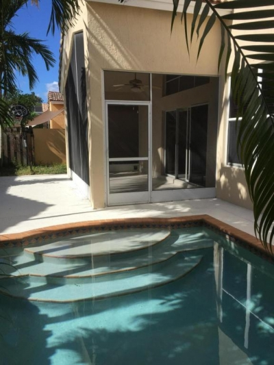 $319000 / 3br - 2536ft2 - 3/2 2 car pool home (Boynton Beach) 33472
