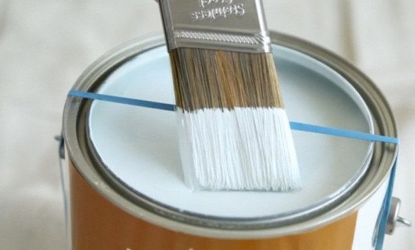 2 Clever Tips To Make Painting Your Home Easier