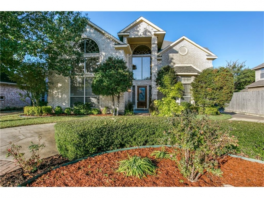 4BR Irving Home Offers Ideal Central Location