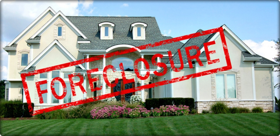 Pros and Cons of Buying Real Estate Foreclosures