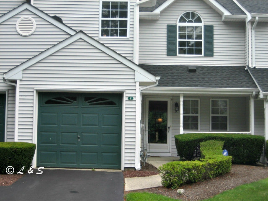 Willow Wood At Smithtown Townhouse For Sale In Hauppauge Long Island NY