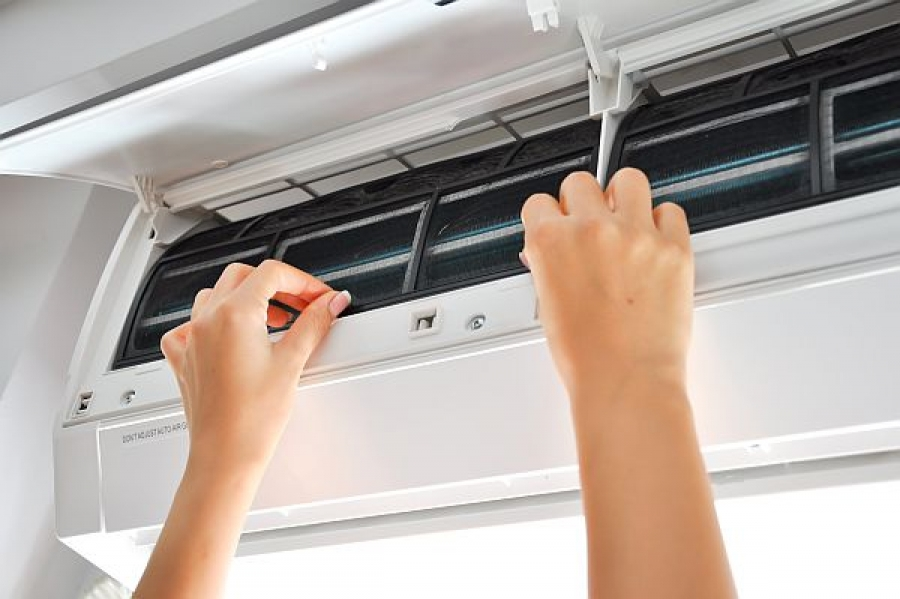 5 Tips to Clean and Prepare Your Air Conditioner for Summer
