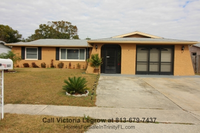 This single family home in the popular subdivision of La Villa Gardens FL is a treasure waiting for you!