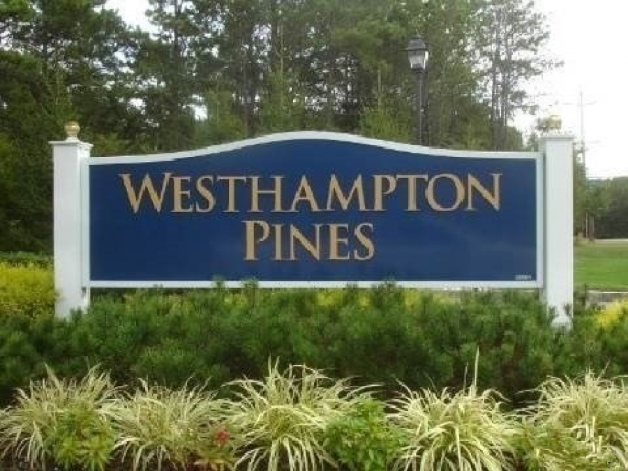 Westhampton Pines 55 Plus Neighborhood