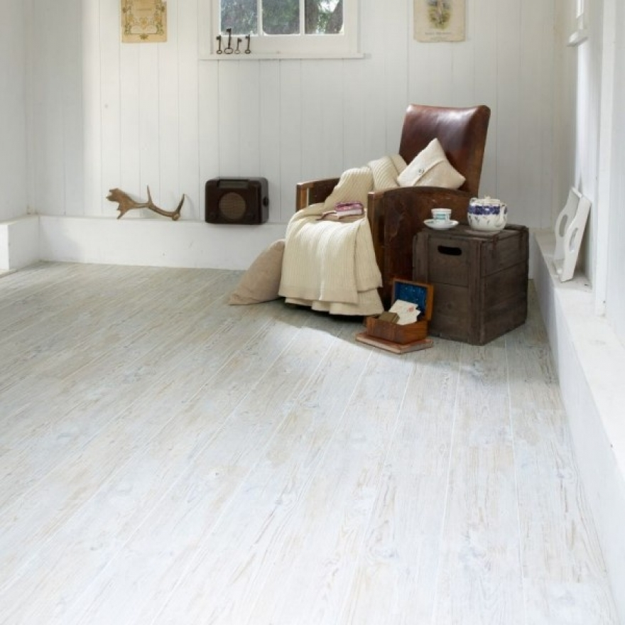 Enticing and stylish vinyl flooring
