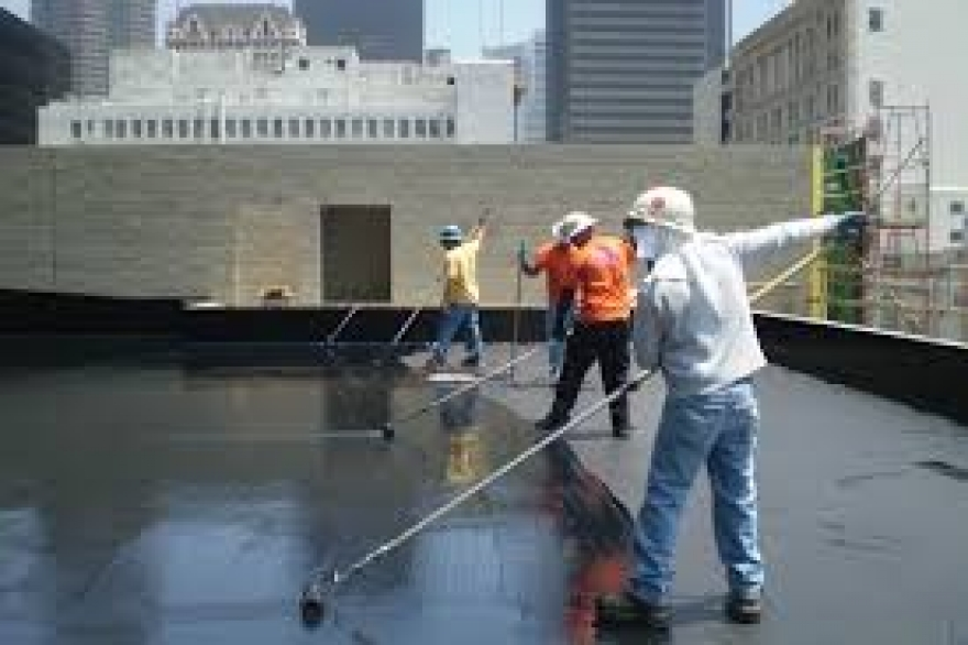 What are the Factors to Consider When Hiring a Waterproofing Contractor in Dubai?