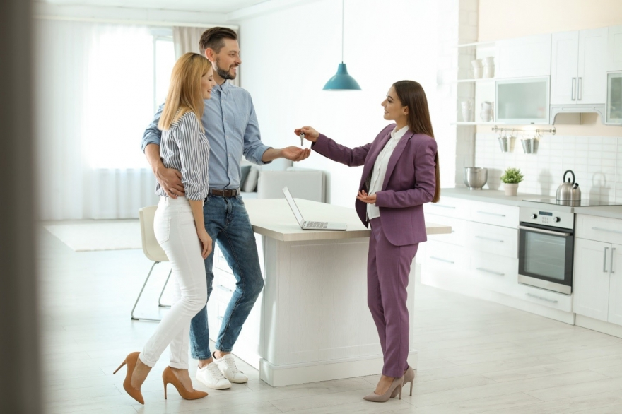 Realtor vs Real Estate Agent: What's the Difference?