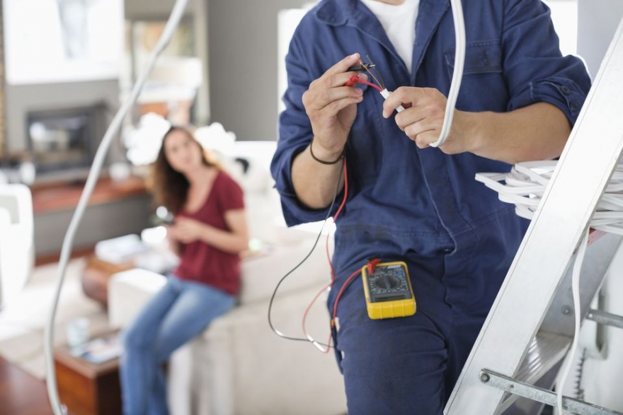 Why You Should Hire an Electrician Instead of Doing It Yourself