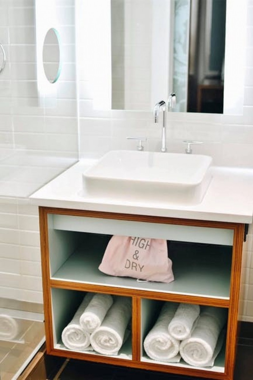 8 Inexpensive Bathroom Remodel Tips for Home Sellers