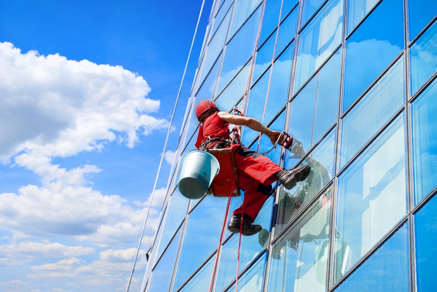 How to Find a Good Window Cleaner