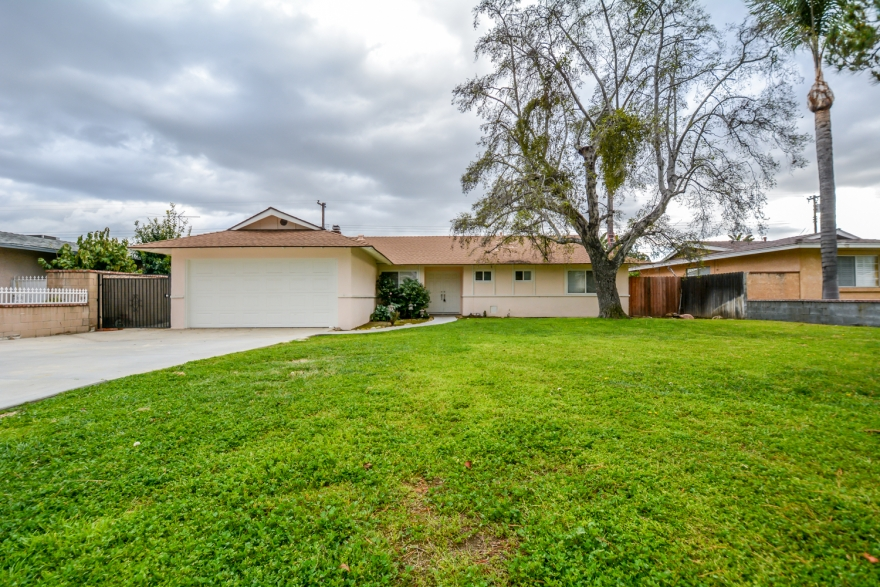JUST LISTED! 8561 AVALON CT ALTA LOMA CA 91701 FOR SALE BY CELINA VAZQUEZ