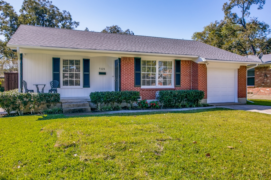 Updated and Pristine Perfect! University Terrace! 7028 Wake Forrest