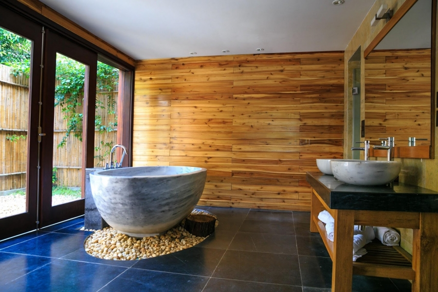 5 Nature-Themed Bathroom Makeovers to Attract Buyers