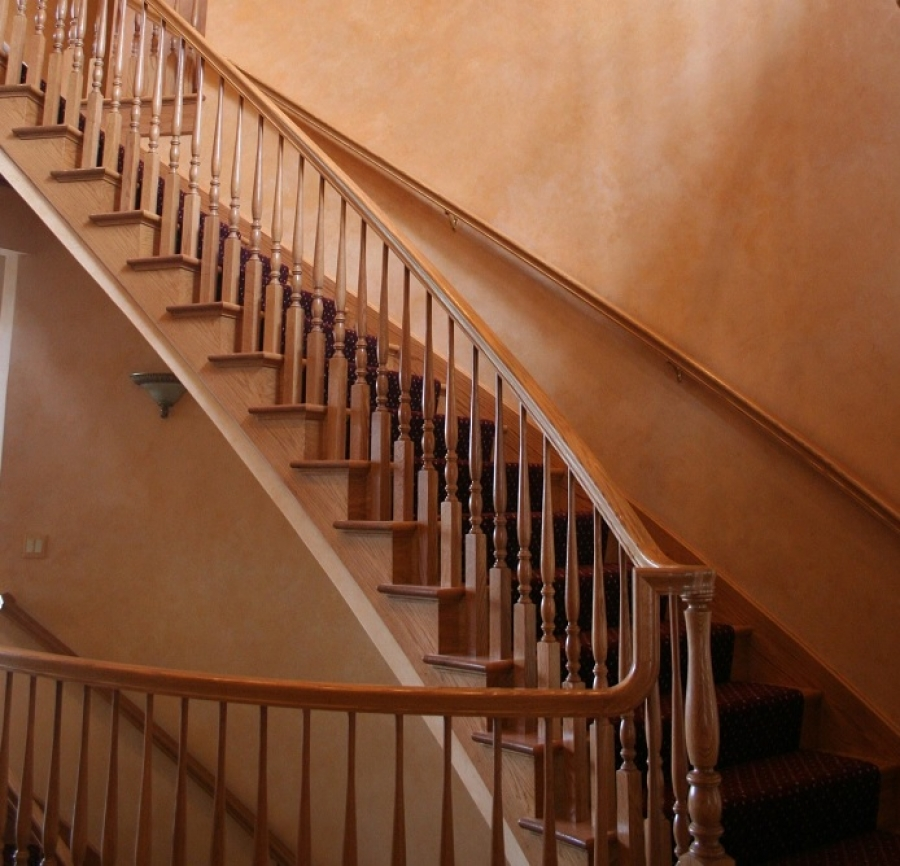 Refinishing Stairs: The Best Types of Paint for Indoor and Outdoor Stairs