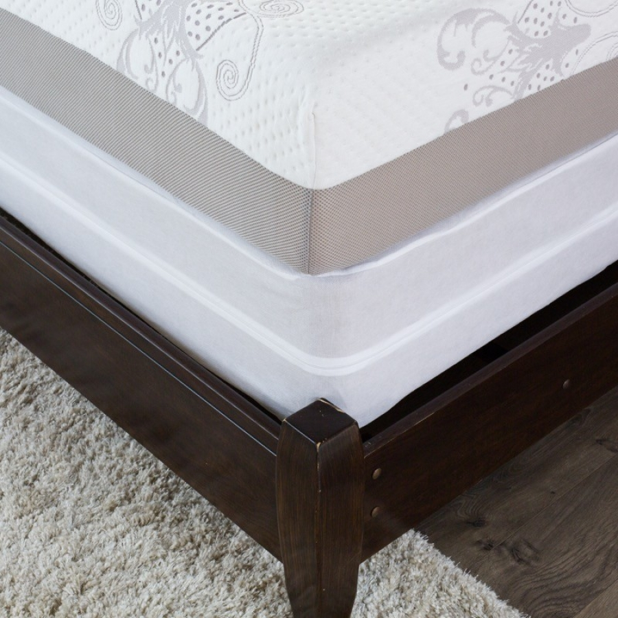 How to pack a mattress with a protective cover