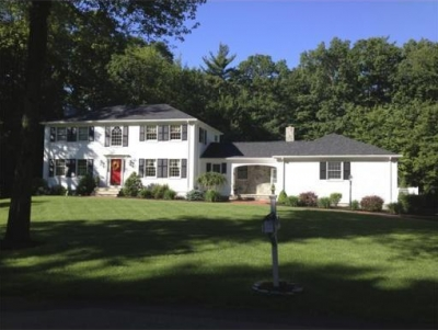 Beautiful Family Home in Andover!