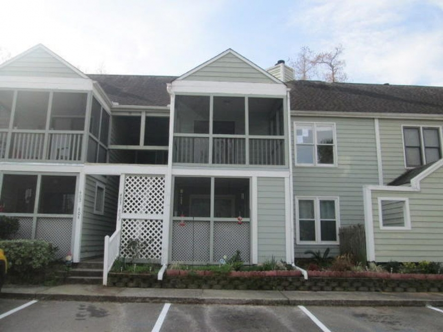 3 Bedroom Condo Ideal For Entertainment for Sale in Summerville SC