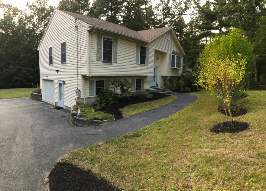 136 Greeley St Hudson NH 03051
