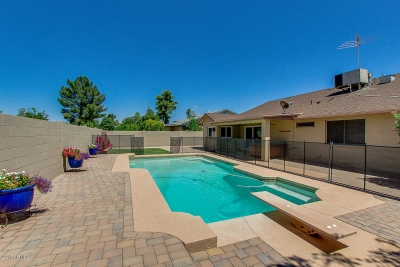 NEW LISTING! 2218 W PALOMINO DR Chandler AZ 85224 Exclusively listed by Signature Realty Solutions (480) 422-5358
