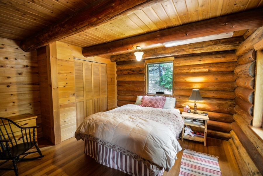Rustic Real Estate: How to Buy Cabins, Cottages, and More Rustic Homes