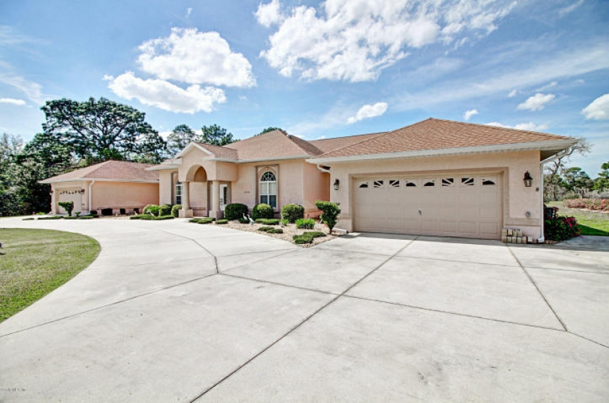 6 Bedroom South West Dunnellon Home