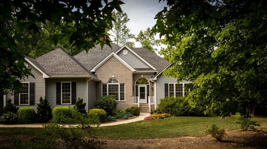 Think Curb Appeal When Remodeling to Sell