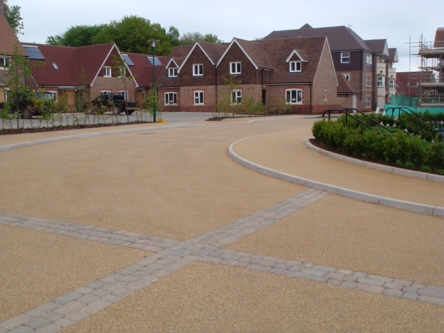 5 Reasons Why A Resin Drive Is The Ideal Surface Solution