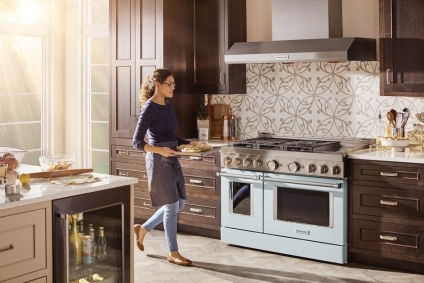 It's A '50s Flashback: Get Ready For Boldly Colored Appliances