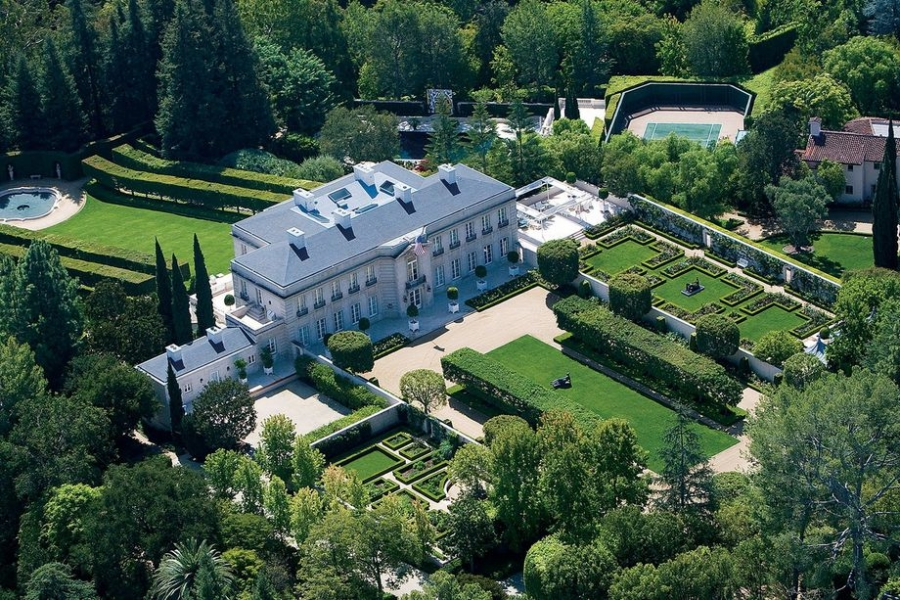 13 Magnificent Mansions To Buy With Your Lottery Millions