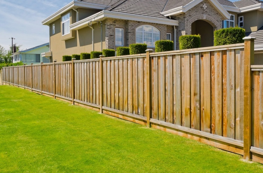 Is it Easier to Sell a Home With a Fence?