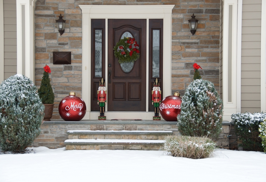 Tips for Handling a Holiday Season in a New Home