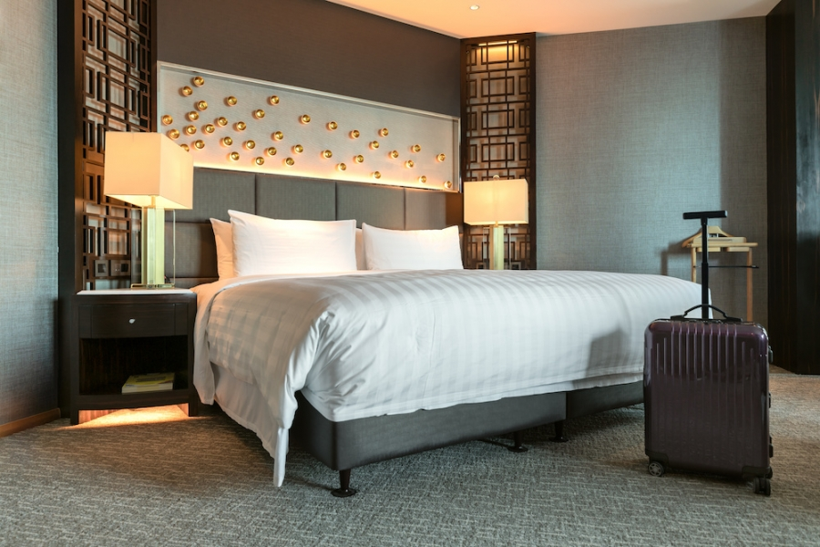 Don't Want To Go To A Hotel: Bring The Hotel Bed Home With You