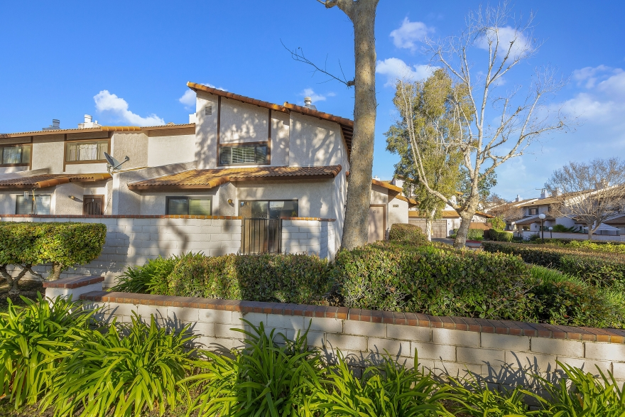 JUST LISTED! 938 N REDDING WAY #G UPLAND, CALIFORNIA, 91786