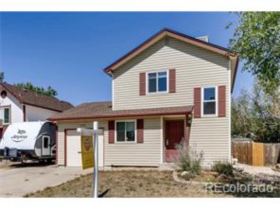 Just Listed in Summer Valley Aurora Homes