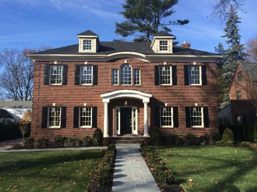 The Strathmore Vanderbilt Luxury Real EstateMarket In Manhasset Long Island On The North Shore
